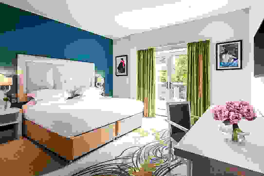 Beautiful Double Room with King Size Bed and Contemporary Design at Daffodil Hotel