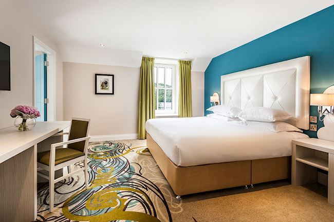 Beautiful Family Rooms with Emperor Bed plus two twin beds at Daffodil Hotel